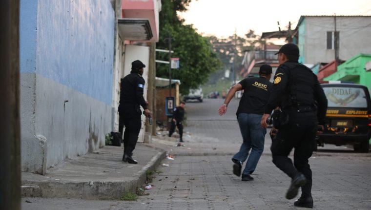 La PNC efectúa cateos en tres departamentos para desarticular banda Los Patrones. (Foto Prensa Libre: PNC).