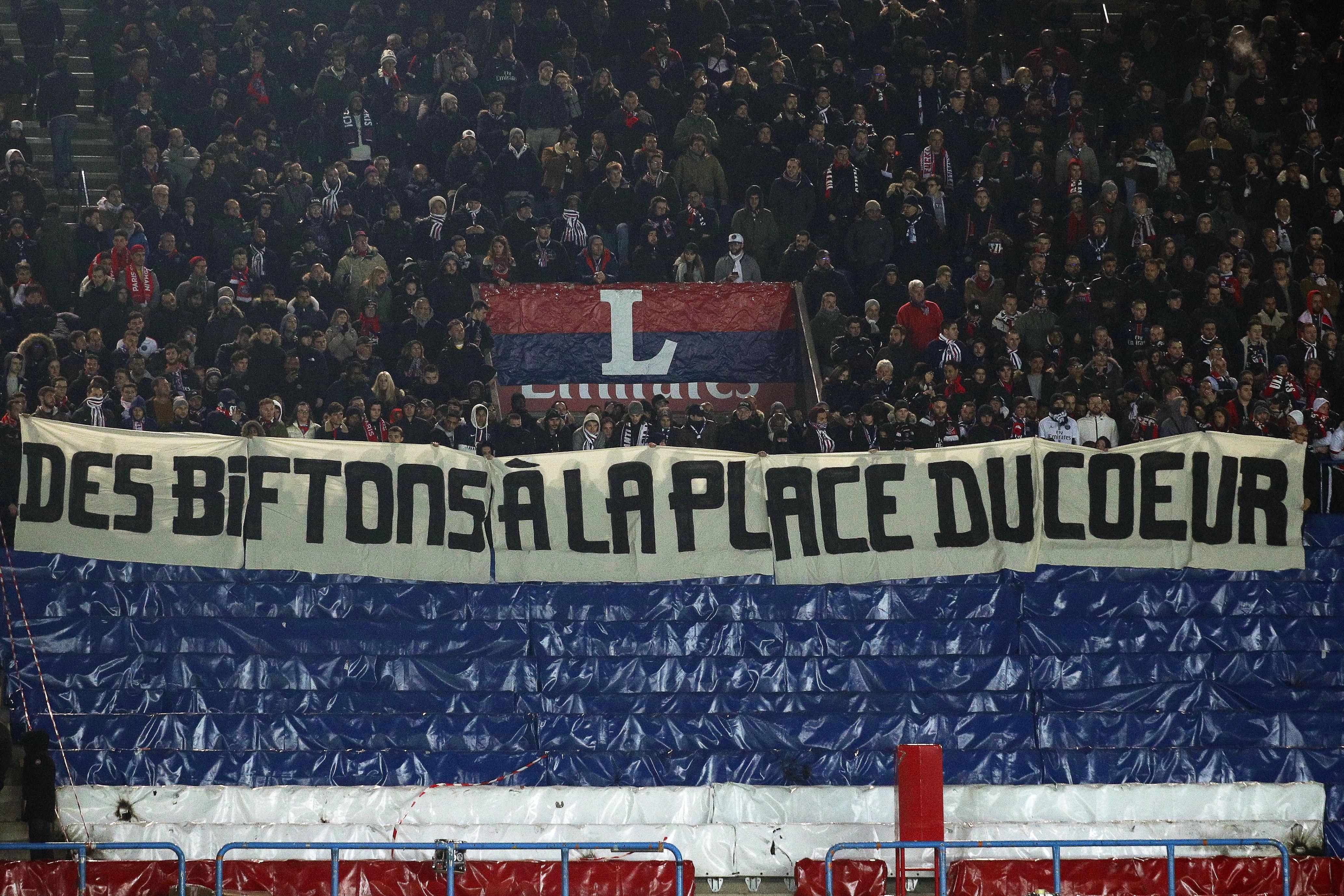 Los aficionados no asistieron al partido del PSG tras la eliminación en la Champions. (Foto Prensa Libre: EFE)