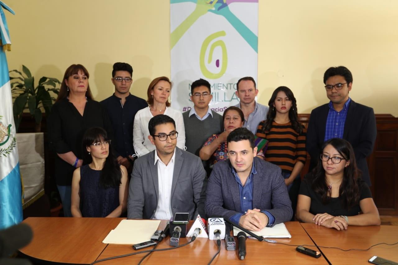El Comité Ejecutivo Nacional del partido político Movimiento Semilla en conferencia defendió el finiquito de Thelma Aldana. (Foto Prensa Libre: Carlos Hernández)