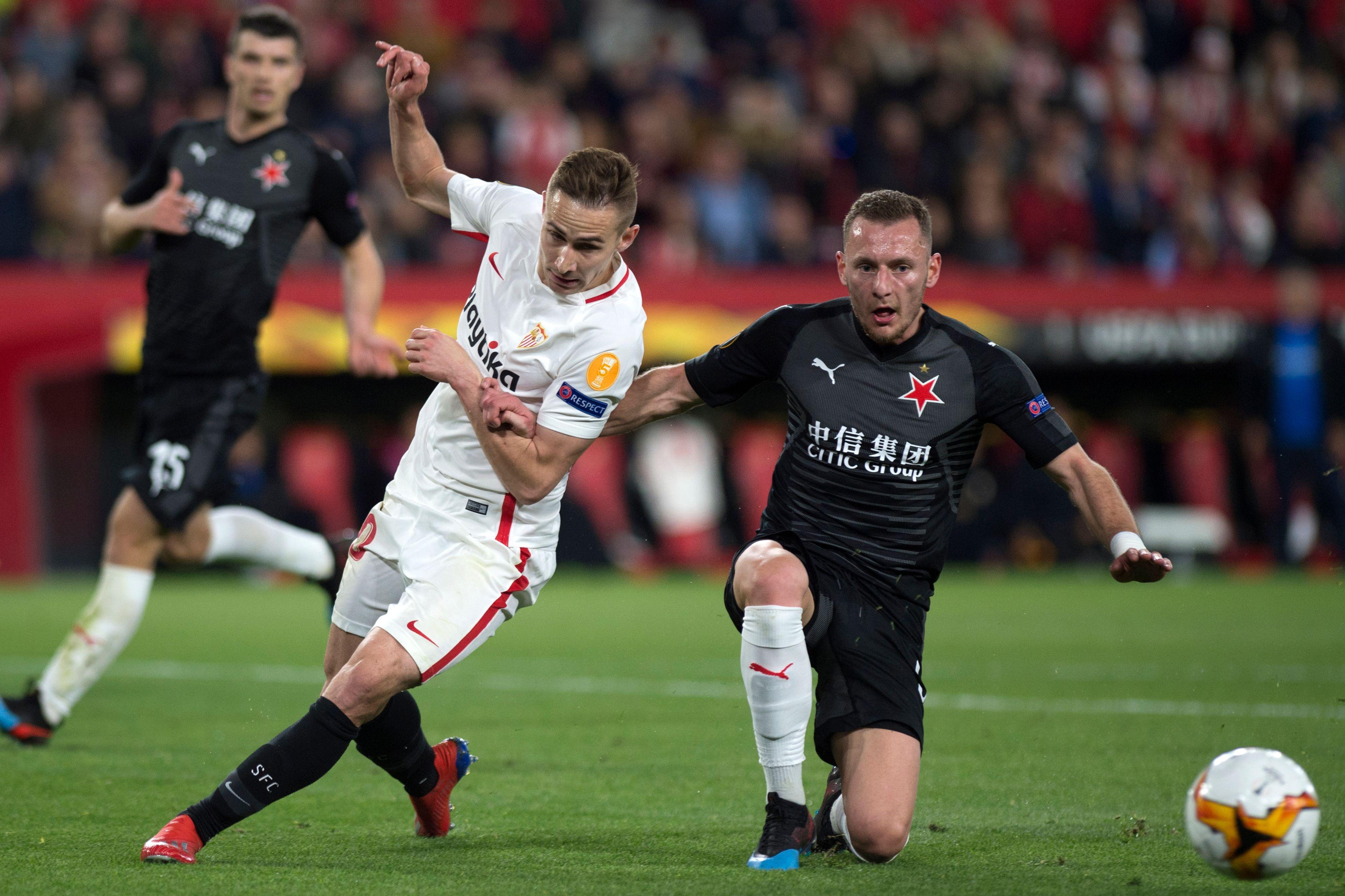 El Sevilla fue sorprendido por el Slavia de Praga, en el juego de ida disputado en el estadio Ramón Sánchez Pizjuán. (Foto Prensa Libre: AFP).