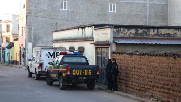 Autoridades allanan vivienda de síndico segundo de Santa Cruz del Quiché. (Foto Prensa Libre: Héctor Cordero)