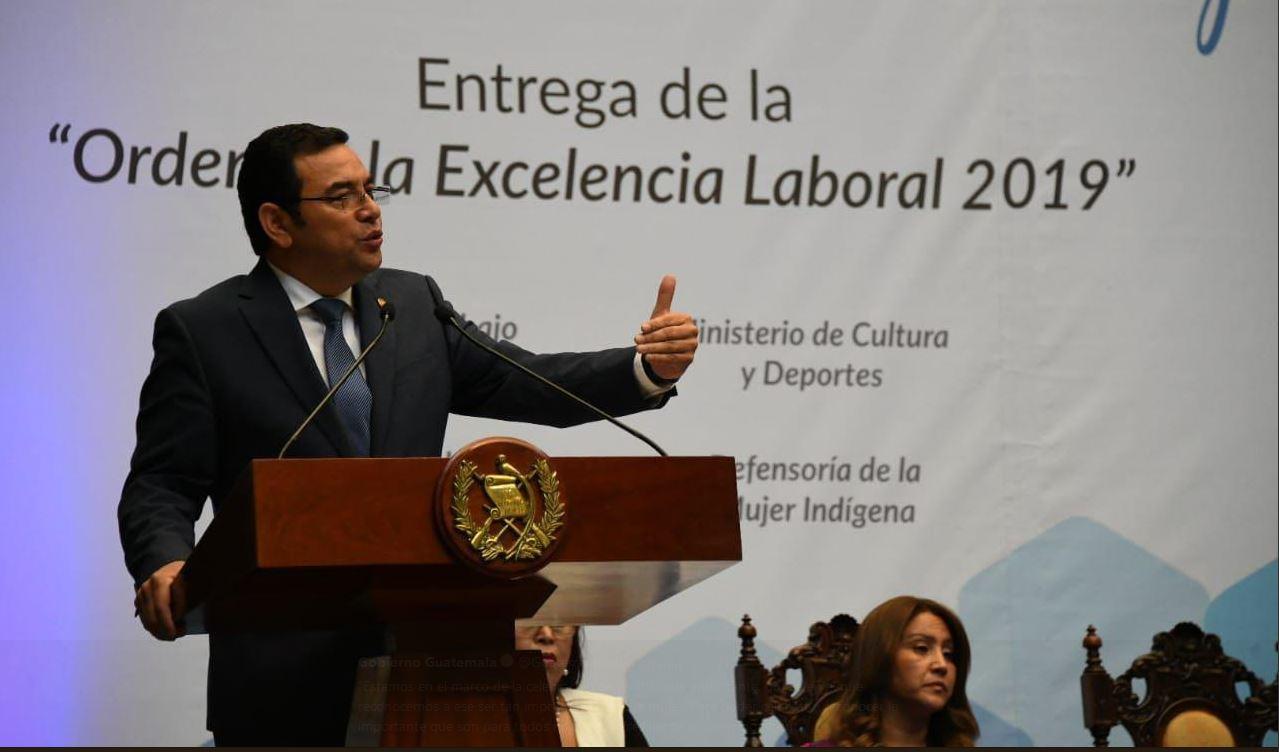 El presidente Jimmy Morales defiende a su esposa por los señalamientos recientes. (Foto Prensa Libre: SCSP)