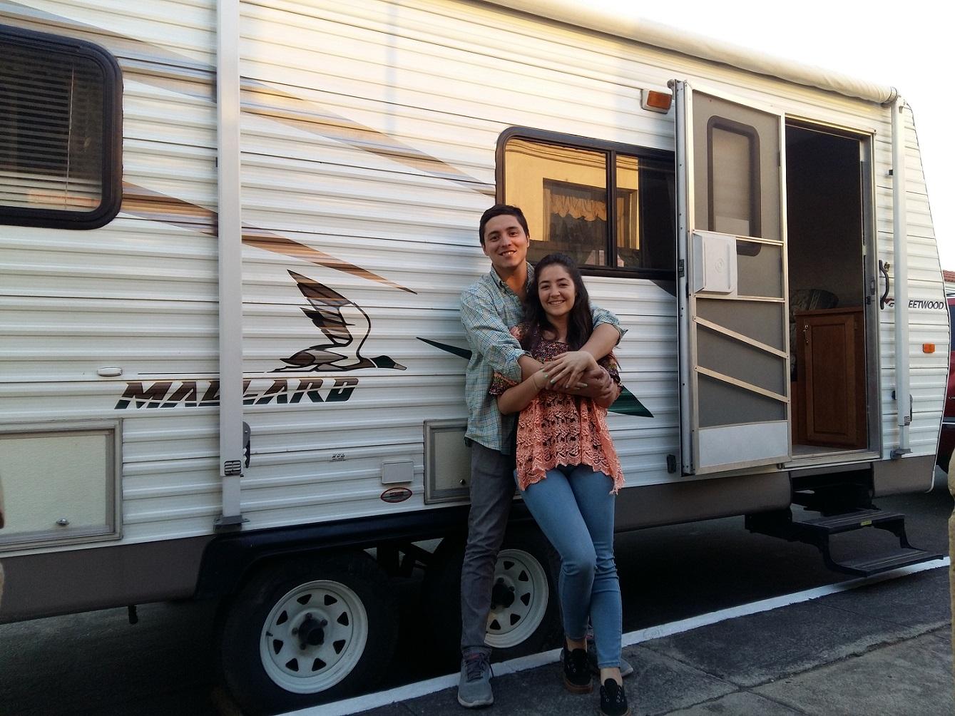 Juan José Mancio y Thelma Dávila recorrerán América en una casa rodante. (Foto Prensa Libre: Cortesía)