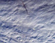 El gran meteorito, capturado por satélites. (Foto Prensa Libre: AFP)