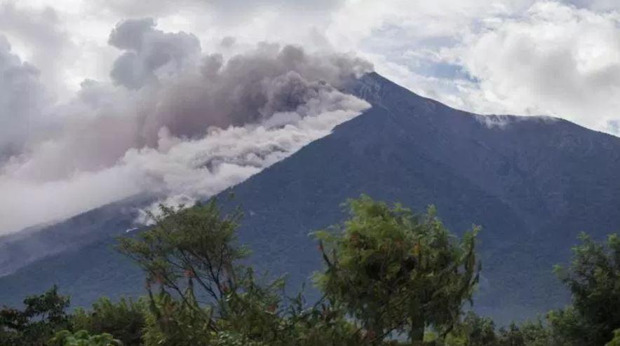 El Volcán de Fuego realizó una violenta erupción el 3 de junio del 2018 (Foto Prensa Libre: Hemeroteca PL)