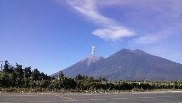 El Volcán de Fuego incrementa su actividad y podría hacer erupción en las próximas horas y días. (Foto Prensa Libre: Hemeroteca PL)