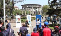 Cabildo Abierto de Prensa Libre y Guatevisión se llevó a cabo en el parque central de Quetzaltenango. (Foto Prensa Libre: Raúl Juárez)