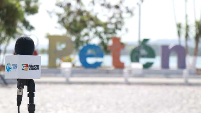 Vecinos de Petén dieron a conocer los problemas que aquejan en el departamento.(Foto Prensa Libre: Dony Stewart)