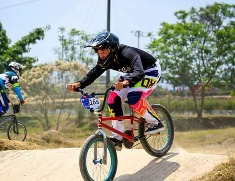 Bryan Ríos durante su participación en una prueba de bicicross. (Foto Prensa Libre: Redes)
