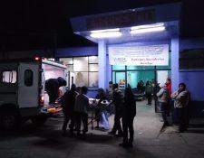 Varias personas lesionadas ingresan a la emergencia del Hospital Nacional de Sololá. (Foto Prensa Libre: Cortesía PDH)