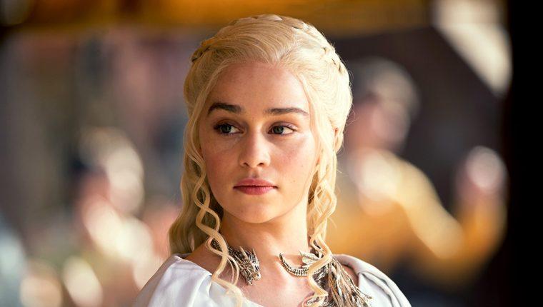 La actriz Emilia Clarke escribió un artículo en el que narró el momento en que sufrió dos aneurismas. (Foto Prensa Libre: HemerotecaPL)