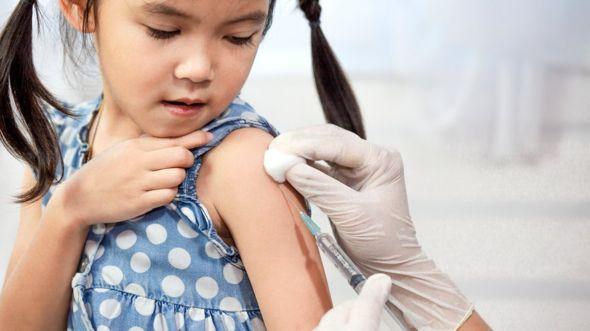 La comunidad médica califica la proliferación de información falsa sobre las vacunas como una amenaza a la salud pública. GETTY IMAGES