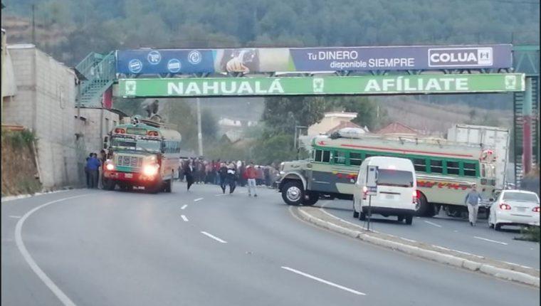 Segundo día de bloqueo en Nahualá. (Foto Prensa Libre: Cortesía Metrópoli Altense)