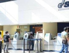El nuevo formulario no requiere de documentos físicos, ya que se puede solicitar en la agencia virtual. (Foto Prensa Libre: Hemeroteca)