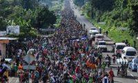 Las caravanas comenzaron a integrarse desde el año pasado, lo que ha dado materia a Donald Trump para atacar a la migración. (Foto Prensa Libre: Hemeroteca PL)