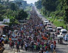 Las caravanas de migrantes se formaron desde el año pasado para poder llegar a EE. UU.  le ha dado materia a Donald Trump para atacar a la migración. (Foto Prensa Libre: Hemeroteca PL)