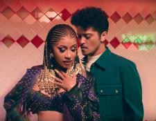 Cardi B y Bruno Mars en su nuevo vídeo dieron mucho de qué hablar esta semana.  (Foto Prensa Libre:  Sony ATV Publishing)