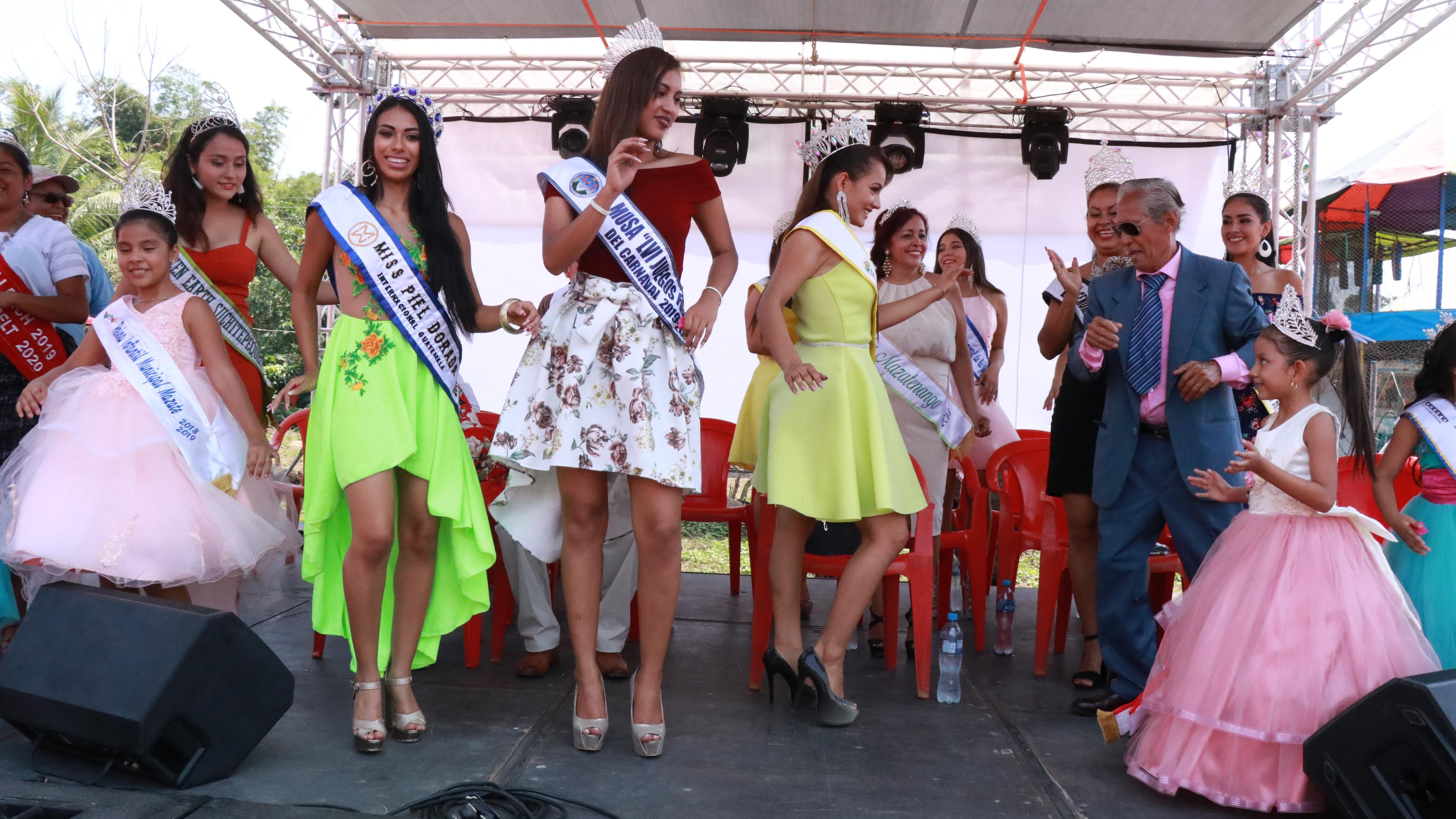 Arrancó el Carnaval de Mazatenango con los primeros bailes. (Foto Prensa Libre: Cristian Icó Soto)