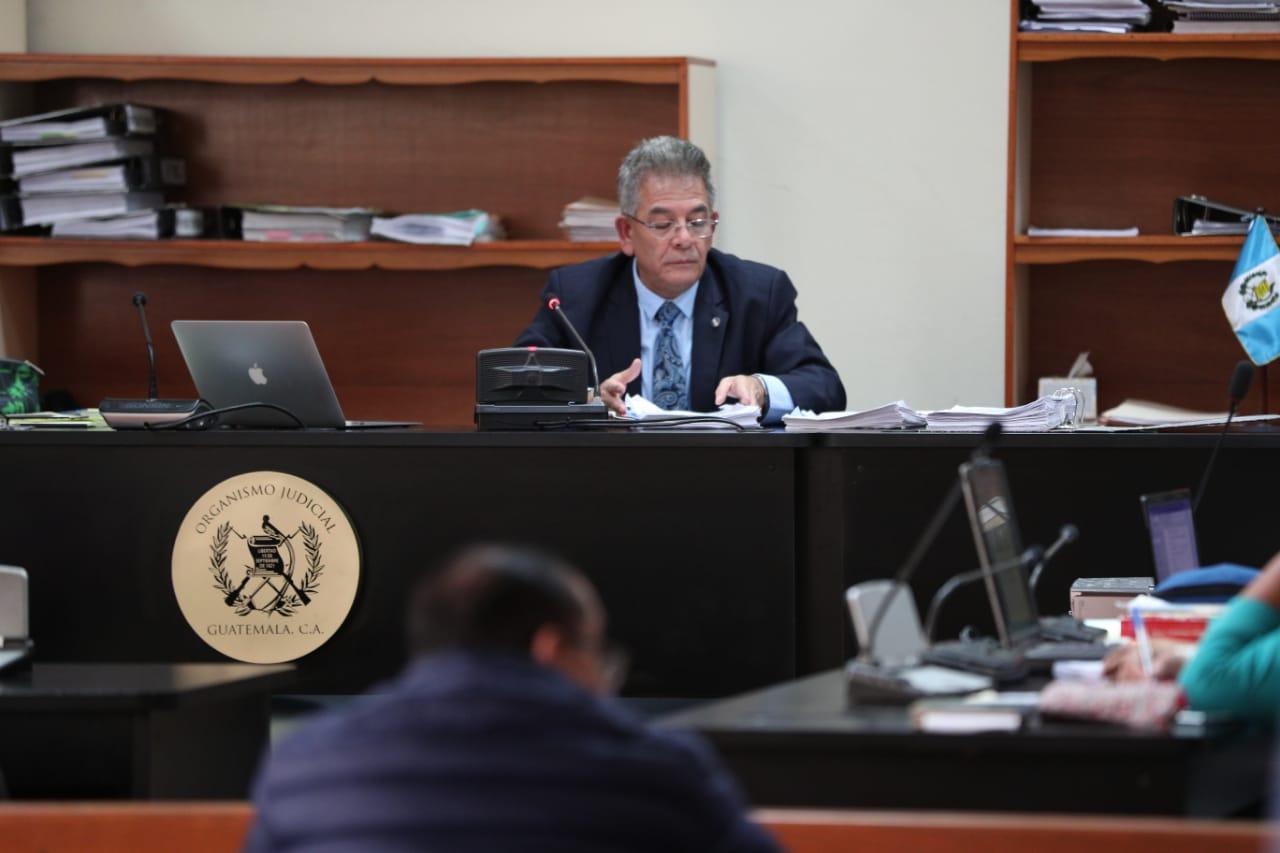 El juez de alto impacto, Miguel Gálvez, aceptó casi todas las pruebas de la Fiscalía del caso La Línea. (Foto Prensa Libre: Carlos Hernández)