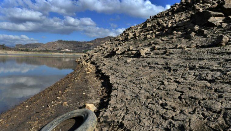 Contaminación en embalse de los Laureles, que abastece de agua a la capital hondureña. Foto: AFP