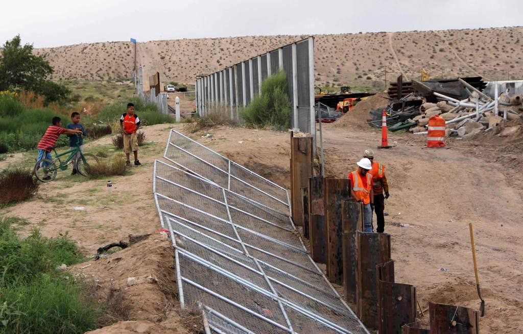 Donald Trump ha insistido en la necesidad de un muro fronterizo con México. (Foto: AFP)