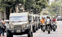 La iniciativa de ley propone sancionar a quienes hagan mal uso de recursos donados por EE. UU., como los vehículos militares J8.  (Foto: Hemeroteca PL)