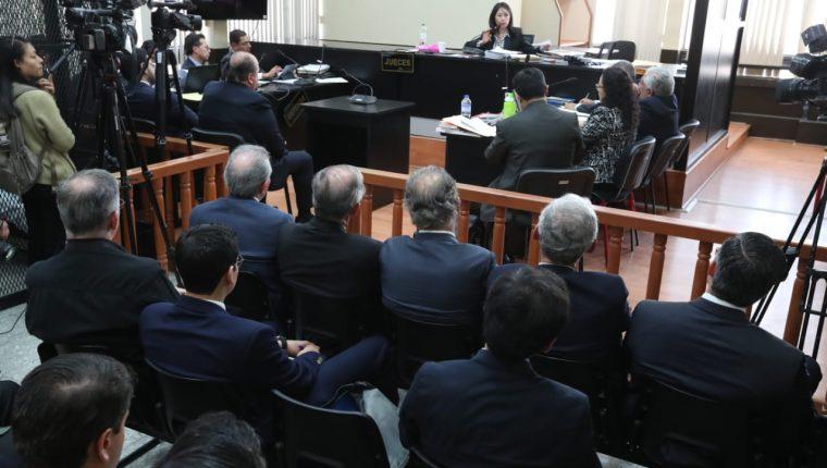 En el Juzgado de Mayor Riesgo D, a cargo de Erika Aifán, se conoció el criterio de oportunidad a favor de cinco empresarios. (Foto Prensa Libre: Esbin García)