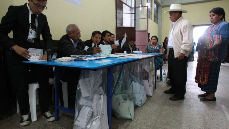 La normativa define parámetros para que los medios de comunicación desarrollen foros con candidatos a cargos públicos. (Foto Prensa Libre: Hemeroteca PL)