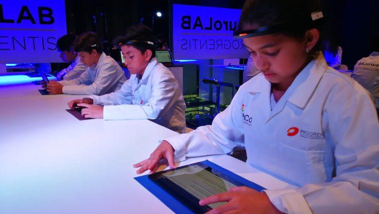La neurociencia aplicada está ganando cada día más terreno y en el tema de la educación marca una diferencia. Actualmente estudiantes guatemaltecos  participan en un estudio a nivel mundial.  (Foto Prensa Libre: Ingrid Reyes)