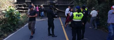 Ruta permanece bloqueada. Foto Prensa Libre: Víctor Chamalé