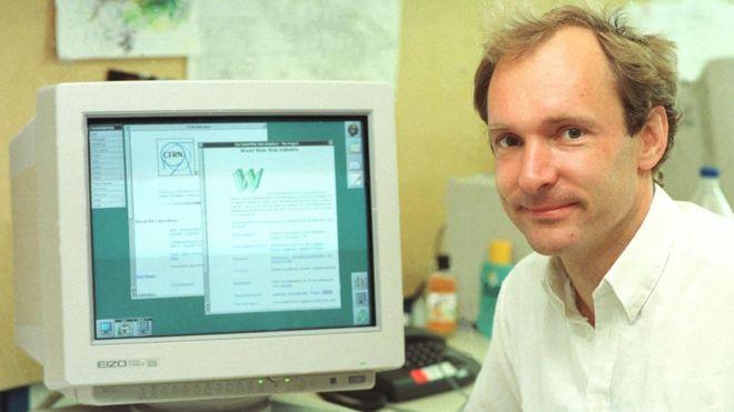 El físico Tim Berners-Lee inventó la World Wide Web como una herramienta útil para científicos en 1989 (CERN)
