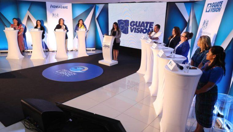 El segundo foro Decisión Libre 2019 se celebró en Mazatenango, Suchitepéquez, con la participación de representantes 16 partidos políticos. (Foto Prensa Libre: Esbín García)