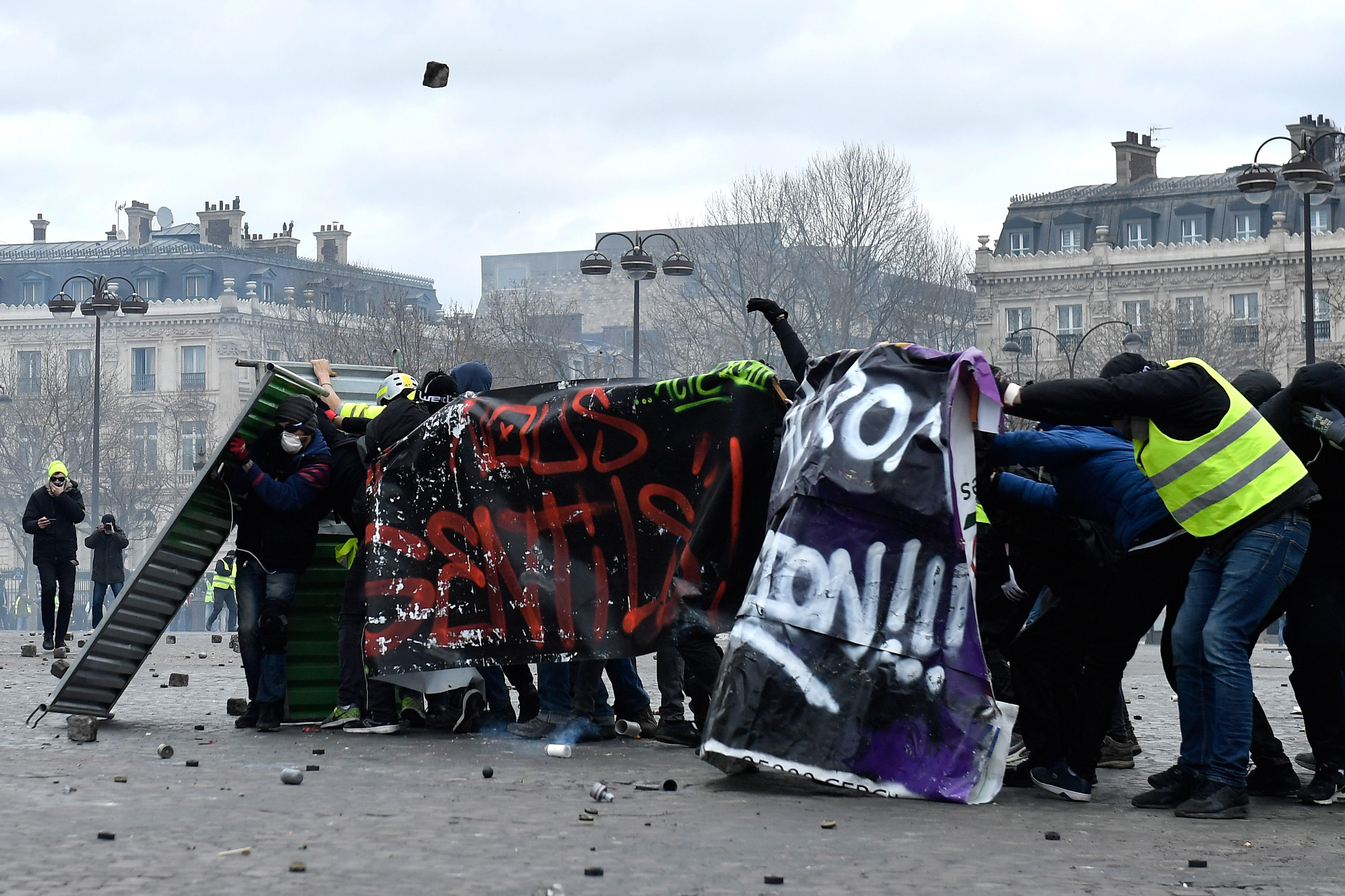 La protesta ha recibido el nombre Acto XVIII porque es el sábado número 18 en que se han reunido en Francia. Foto Prensa Libre: EFE