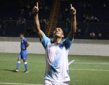 Luis El Salamá Martínez festeja el gol de Guatemala contra Nicaragua. (Foto Fedefut).