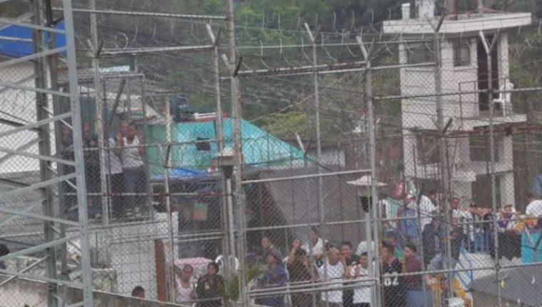 El hacinamiento en la cárceles es uno de los factores que se deben atender. (Foto Prensa Libre: Hemeroteca PL)