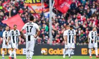 Genoa (Italy), 17/03/2019.- Juventus Croatian forward Mario Mandzukic (3rd from left) and his teammates show their dejection after Genoa's Italian midfielder Stefano Sturaro's goal during the Italian Serie A soccer match Genoa Cfc vs Juventus Fc at Luigi Ferraris Stadium in Genoa, Italy, 17 March 2019. (Croacia, Italia, Génova) EFE/EPA/SIMONE ARVEDA
