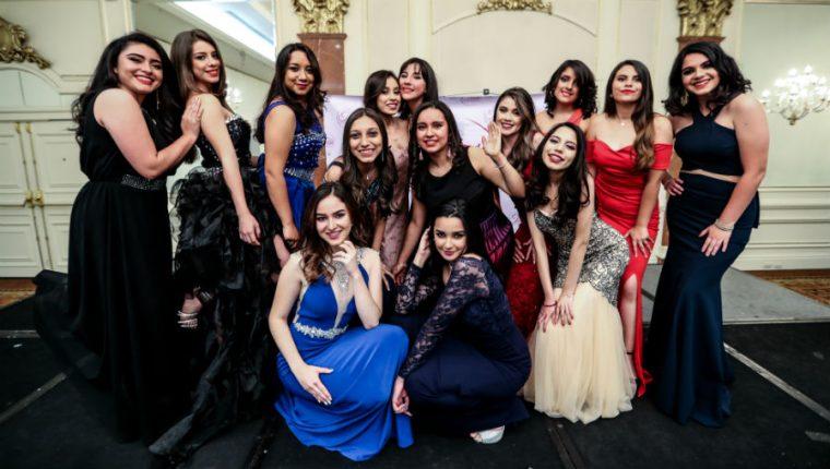 Varias guatemaltecas compiten por la corona de Miss Teen 2019. (Foto Prensa Libre: Keneth Cruz)