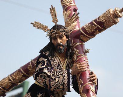 Jesús Nazareno de las Tres Potencias en su procesión del Lunes Santo 2019. (Foto: Hemeroteca PL)