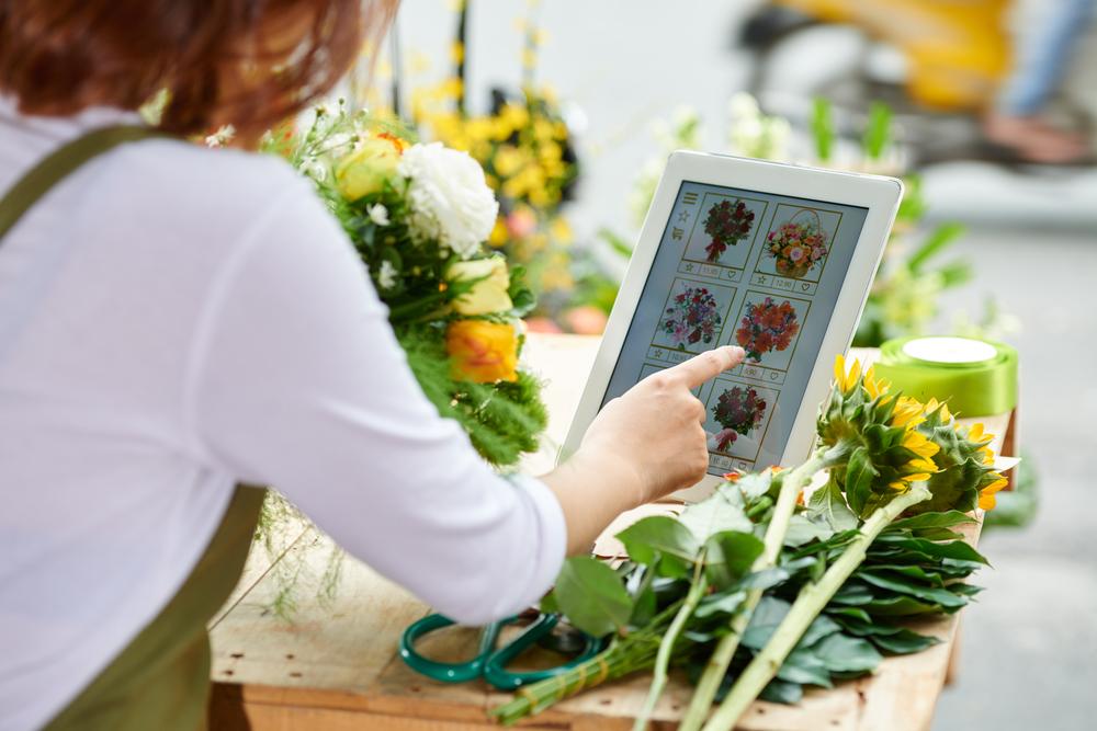 Es crucial definir el tipo de flores y arreglos que ofrecerá. Considere también los canales digitales para este negocio. (Foto, Prensa Libre: Shutterstock)