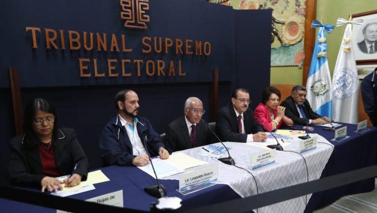 Magistrados del TSE informan sobre el cierre del padrón electoral e inscripción de candidatos. Foto Prensa Libre: Óscar Rivas
