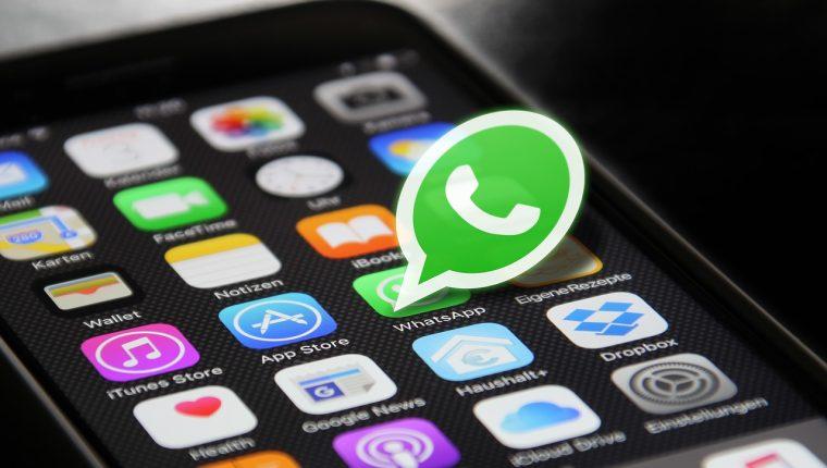 Las cadenas que se comparten por WhatsApp pueden propagar infecciones de malware. (Foto Prensa Libre: Pixabay)