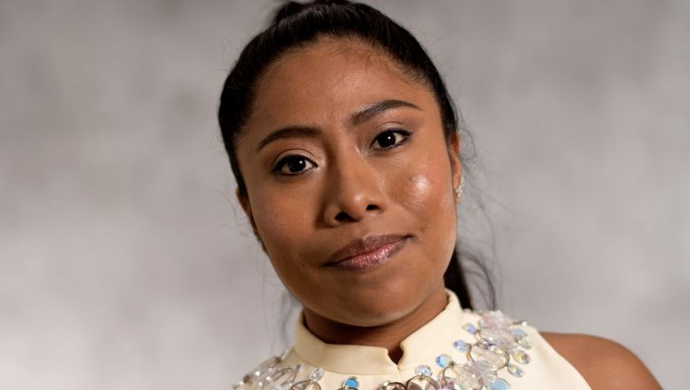 """Lead Actress nominee for """"Roma"""" Yalitza Aparicio poses during a photo session ahead of the 91st Oscars Nominees Luncheon at the Beverly Hilton hotel on February 4, 2019 in Beverly Hills. (Photo by Valerie MACON / AFP)"""