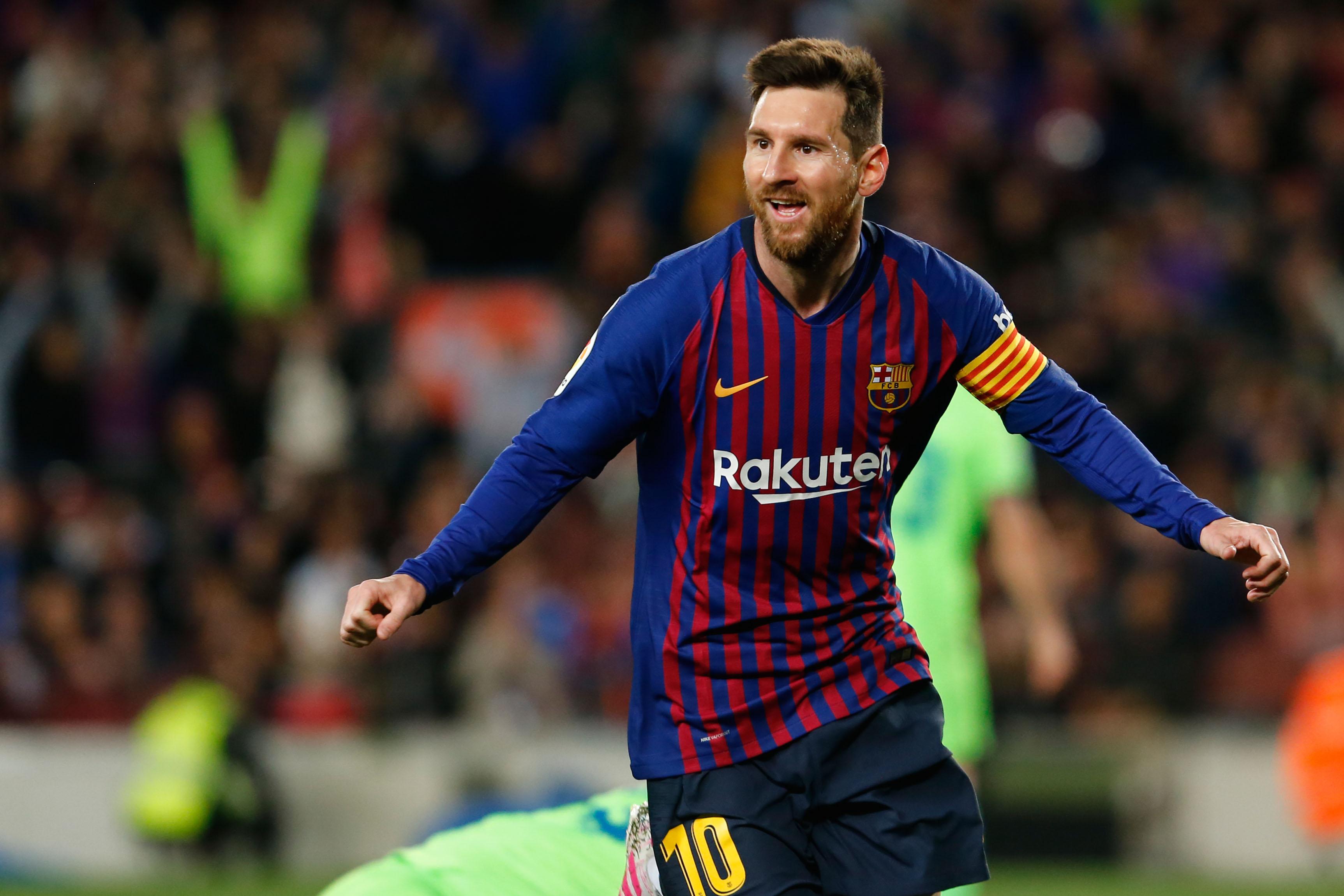 La trayectoria deportiva de Lionel Messi es reconocida con una distinción del gobierno catalán. (Foto Prensa Libre: AFP)