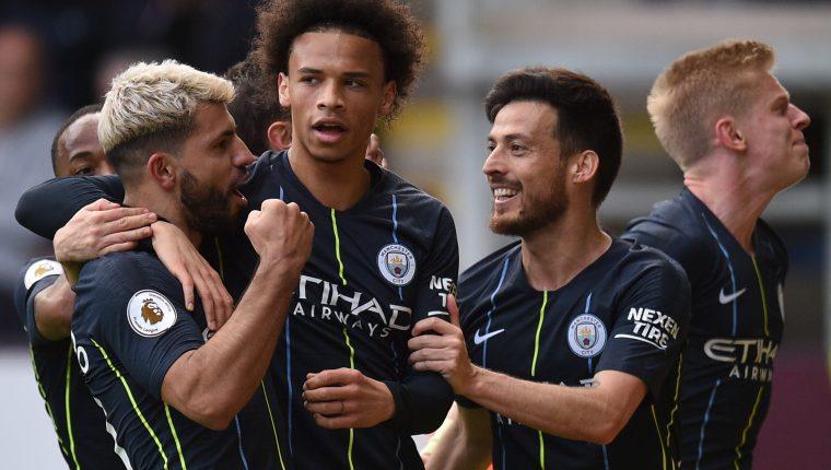 Sergio Agüero desatascó el partido entre el Manchester City y el Burnley. (Foto Prensa Libre: AFP)