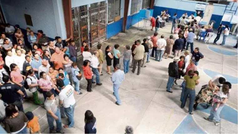 Los electores manifiestan varios motivos por los cuales votarían por su candidato preferido a la presidencia del país. (Foto Prensa Libre: Hemeroteca PL)