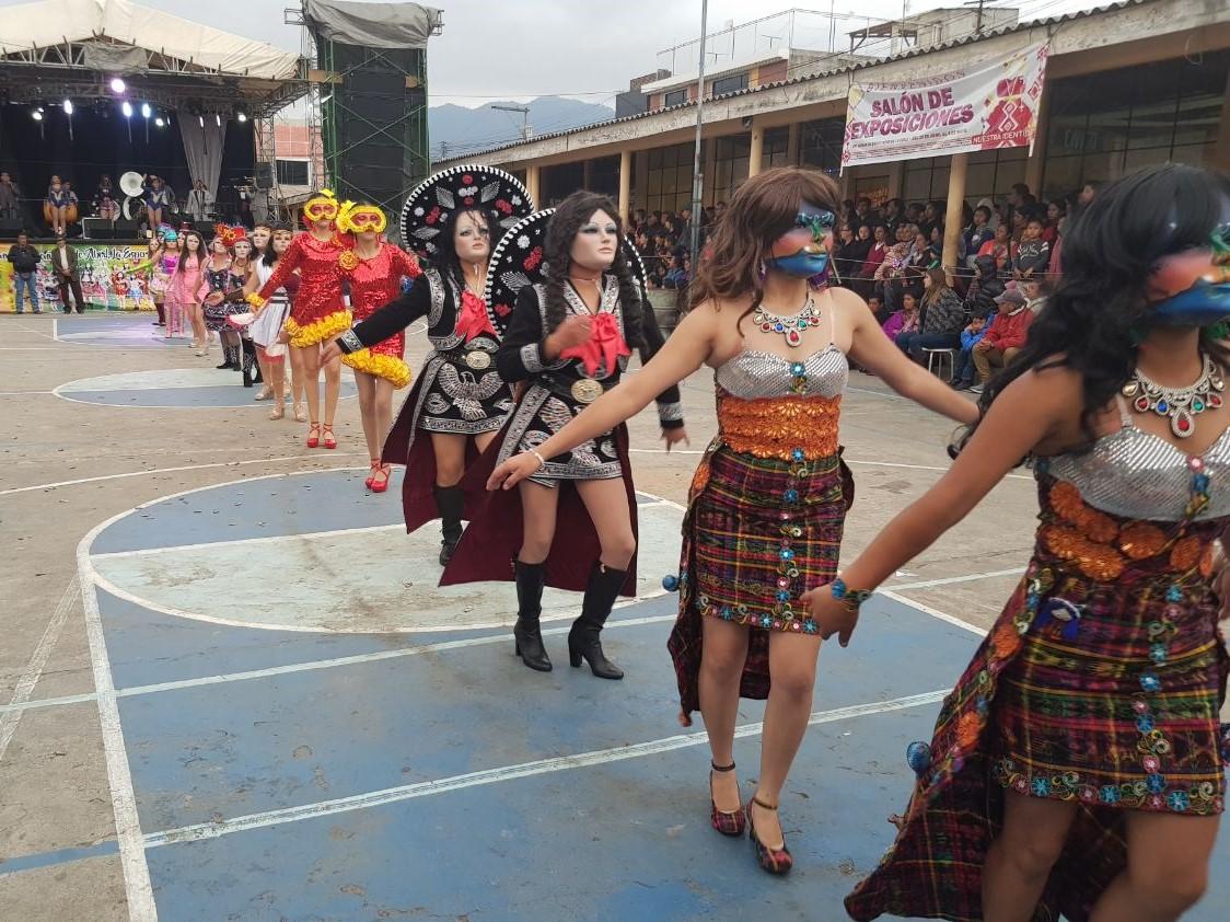 El Convite Siete de Abril ha representado a La Esperanza en fiestas y bailes en los departamentos del occidente. (Foto Prensa Libre: Cortesía)
