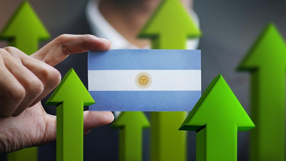 Riesgo país: ¿qué es y por qué en Argentina subió a niveles históricos con Macri?