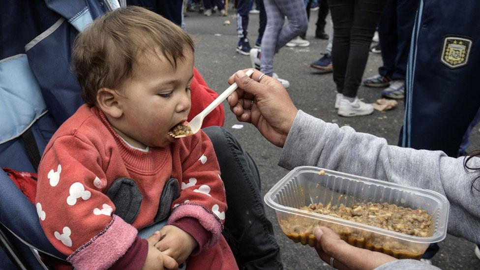 Unicef advirtió que casi la mitad de los niños argentinos son pobres.