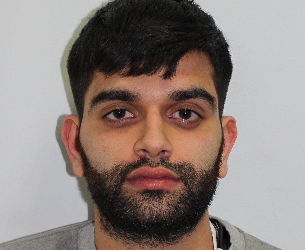 Zain Qaiser estafó a usuarios de webs de pornografía de todo el mundo.