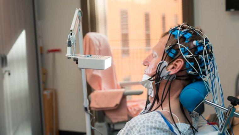 Una prueba devolvió la capacidad de memoria temporal de un joven a personas mayores.
